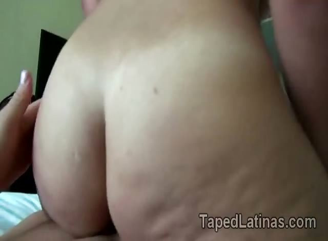 Big booty Latina bounces her hot ass riding in amateur POV